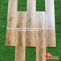 Gạch giả gỗ vân xoáy nhập khẩu 15x80 thùng bao nhiêu viên