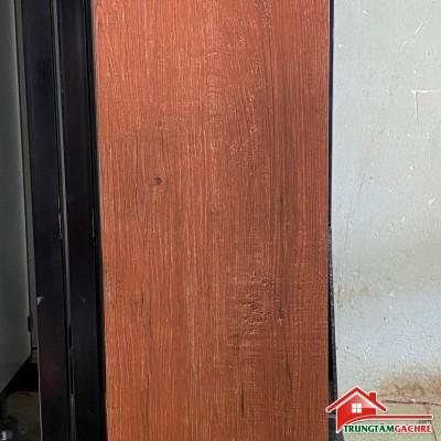 Gạch giả gỗ lát nền màu đỏ 20x100 mẫu đẹp