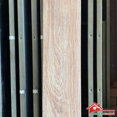 Mẫu gạch giả gỗ lát nền phòng khách 20x100 mới nhất