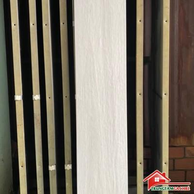 Gạch giả vân gỗ màu trắng gi xám 20x120 cao cấp giá rẻ