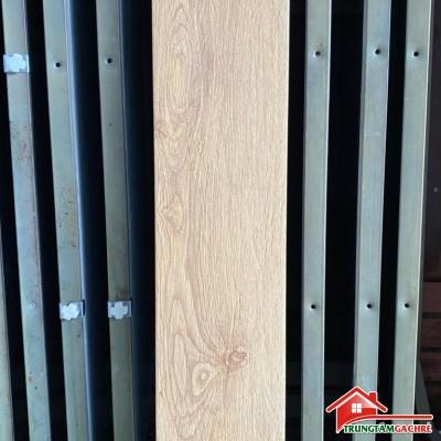 Gạch giả gỗ 15x80 lát nền màu vàng nhạt nhập khẩu giá rẻ