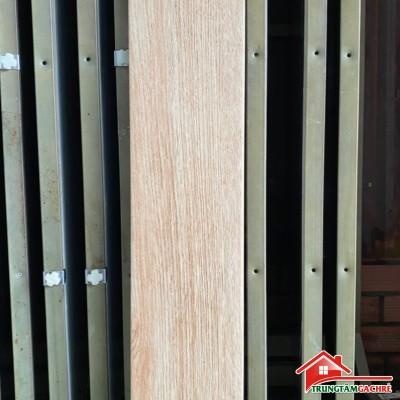 Gạch giả gỗ lát nền 15x80 có bền giá tốt không