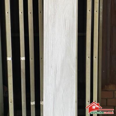 Gạch giả gỗ lát phòng khách 20x120 vân giả gỗ