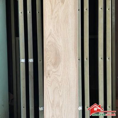 Gạch lát nền vân gỗ 20x120 lát nền phòng khách mới nhất